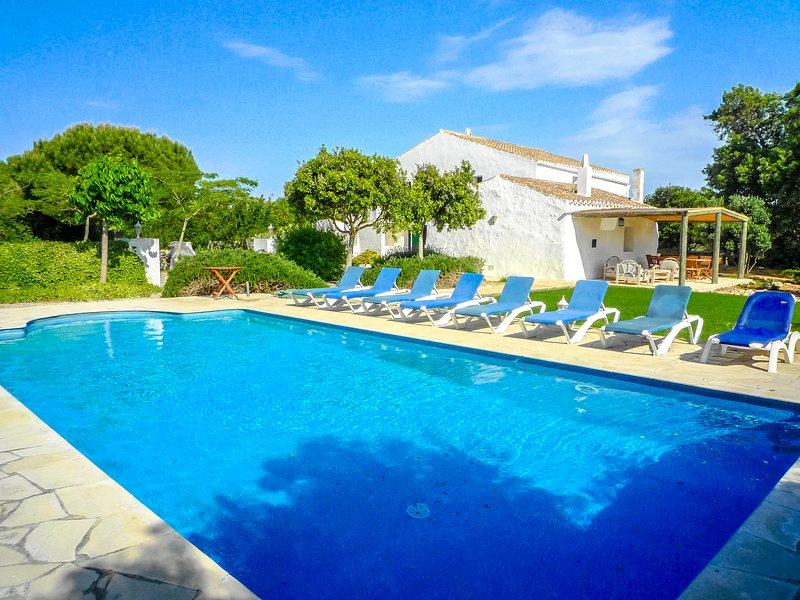 Catalunya Casas: Villa Bunia, just 10km to the beach!, aluguéis de temporada em Es Grau