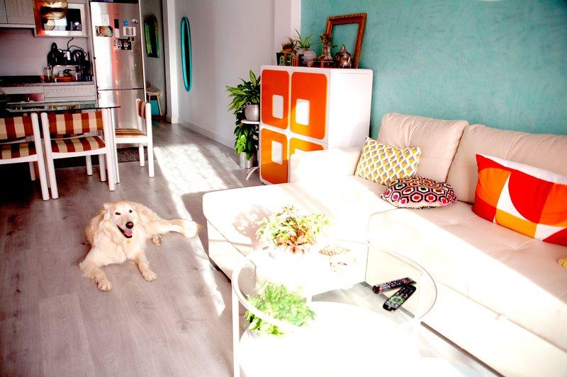 Costa Tropical/Playa Nudista/Apartamento Renovado Chic/WIFI/Mascotas/Parking, vacation rental in Torrenueva
