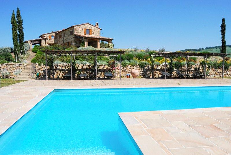 Pienza Villa Sleeps 8 with Air Con - 5677892, alquiler vacacional en Gallina