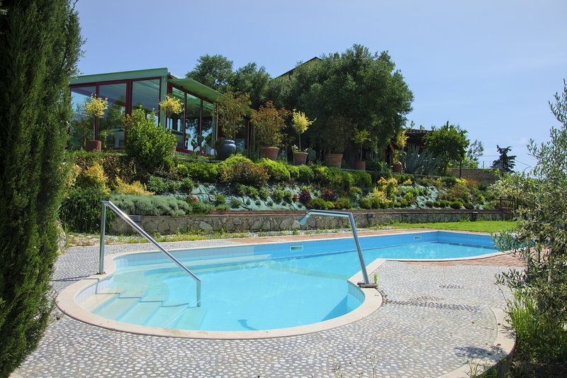 Villa Carlo - Marche country side, pool, free wine, holiday rental in Province of Ascoli Piceno
