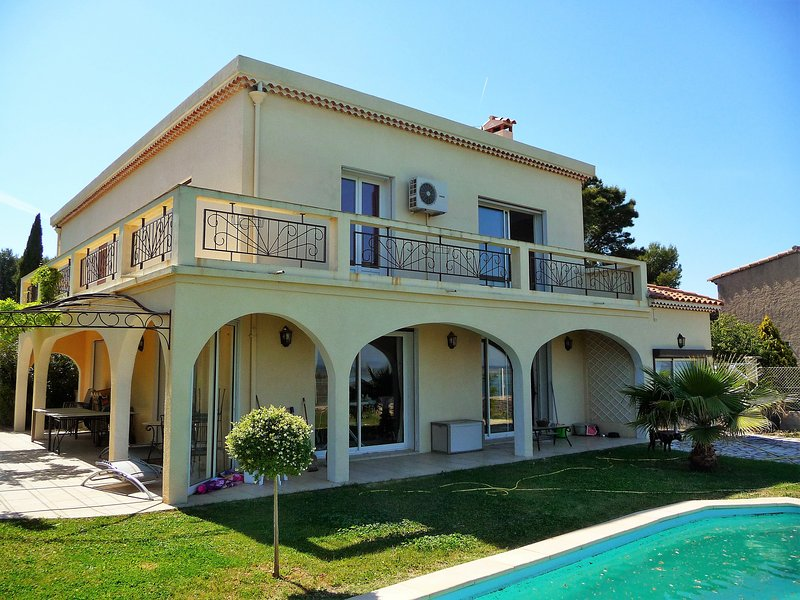 'Villa Mimosas'...the perfect vacation home in the South of France.