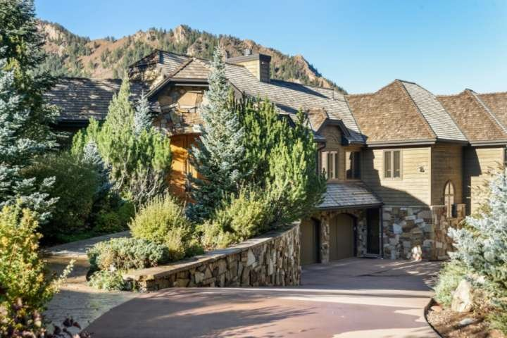 Private Family Home in Aspen. Aspen Mountain Views. Private Hot Tub! Large Deck,, vacation rental in Aspen