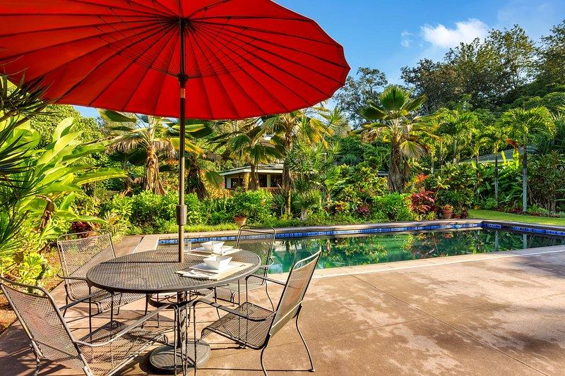 Luxury Garden Eco-Estate in Kaloko, holiday rental in Kalaoa
