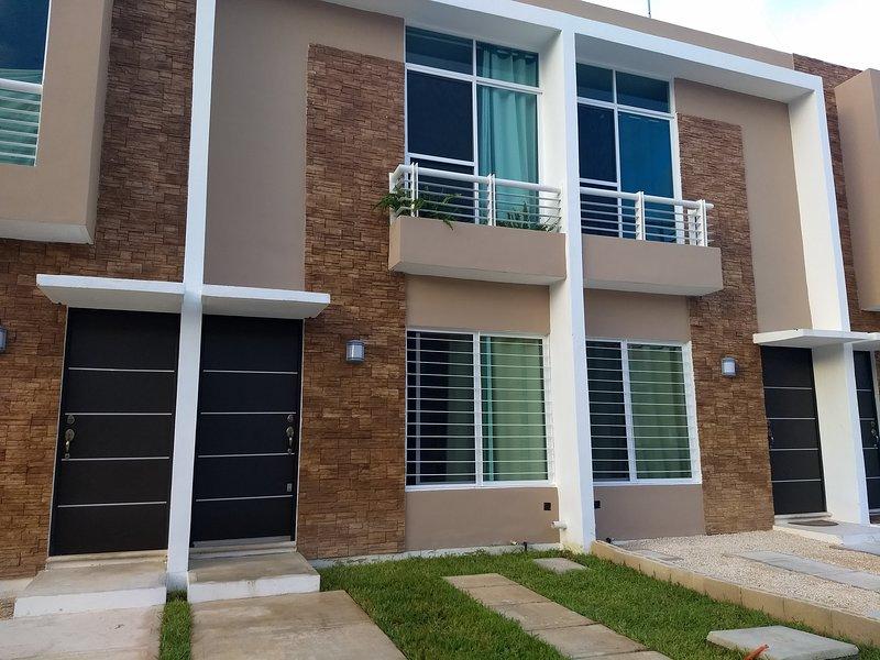 Casa Minimalista Nueva, holiday rental in Benito Juarez Municipality
