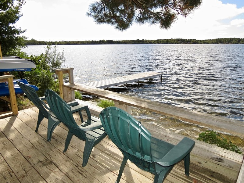 Upscale Lake Front Home with Spectacular Views and Large Private Deck: 087-BS, vacation rental in Brewster