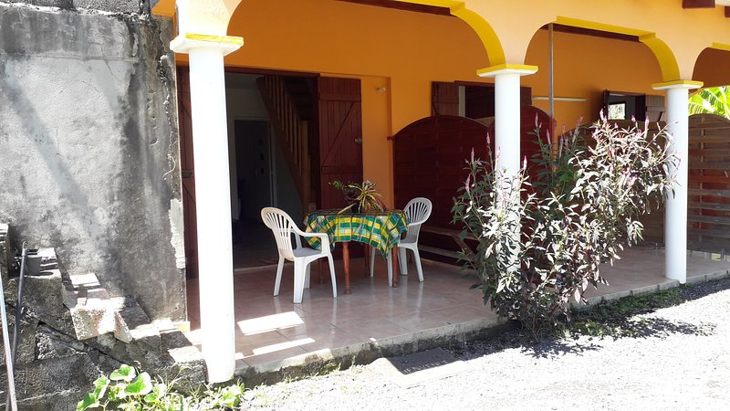 Nice apartment with garden & Wifi, vacation rental in Capesterre-Belle-Eau