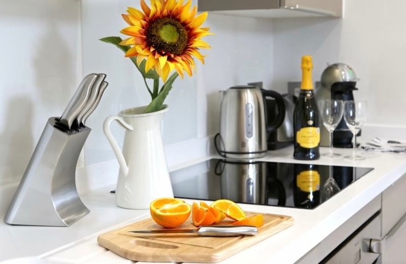 Royal Reign Apartments, holiday rental in Slough