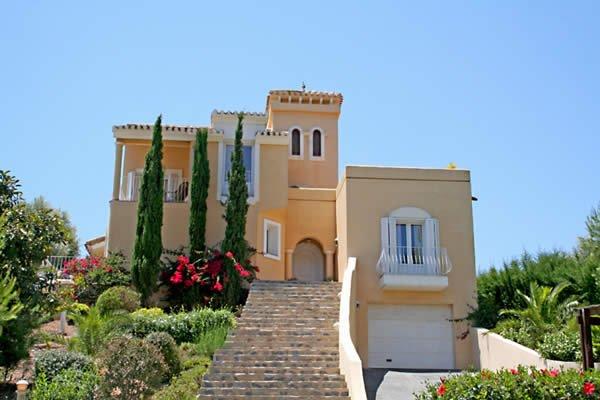 Villan ligger i ett utmärkt centralt läge på La Manga Club inom bekvämt gångavstånd från faciliteterna