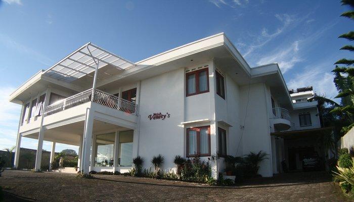 Villa Venetys (Grand Junior Suite Room), location de vacances à Cihanjuang Rahayu