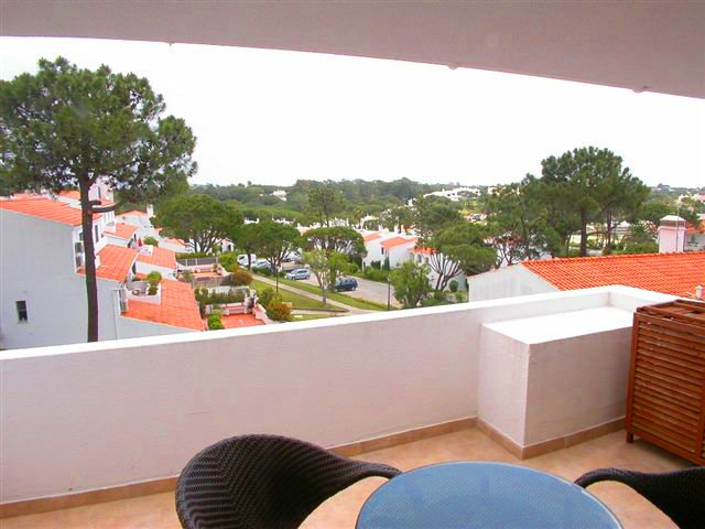 Vale do Lobo Apartment Sleeps 4 with Air Con and WiFi - 5480212, holiday rental in Almancil
