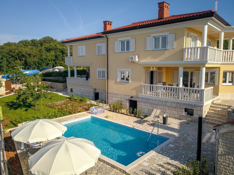 NEW Villa Njivice on the island Krk, alquiler vacacional en Krk Island