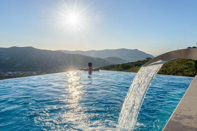 Piaggese Villa Sleeps 8 with Pool and Air Con - 5678153, casa vacanza a Agropoli