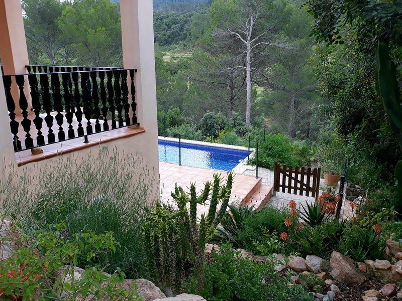 Casa de nueva construccion, muy  tranquila en el campo/montaña, alquiler de vacaciones en Mallorca