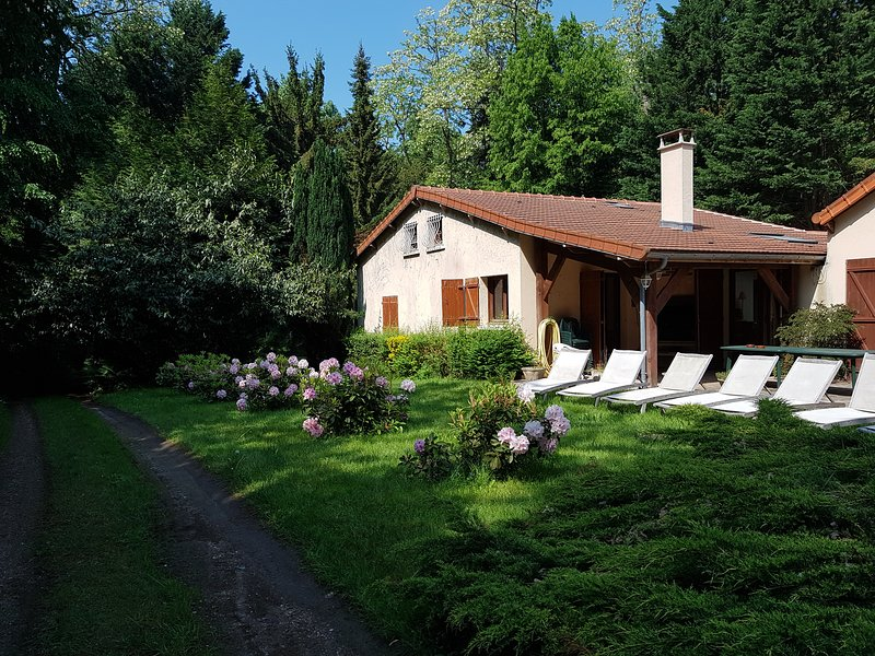 Gite du Mont Solu en bordure du massif forestier des Trois Pignons, holiday rental in Arbonne-la-Foret