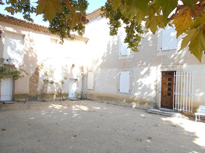 mas provencal du 18eme siecle au coeur des vignes, holiday rental in Aubignan