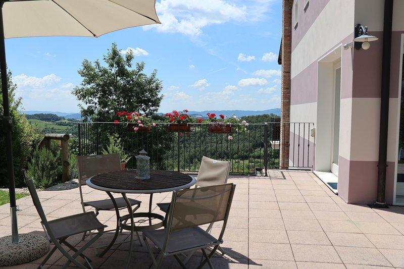IL SOGNO casa vacanze - piscina - giardino - collina, vicino a Vicenza, Venezia, holiday rental in Zane