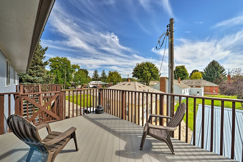 Boasting a deck and beds for 6, this updated apartment is perfect for families.