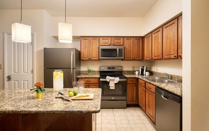 Welcome to the bright and equipped 3 bedroom suite.