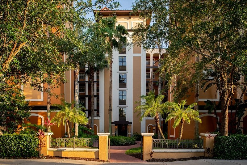 This property is wonderfully located near the Disney Resort complex, SeaWorld, Universal Resort Orlando, and the Orlando Premium Outlet Mall.