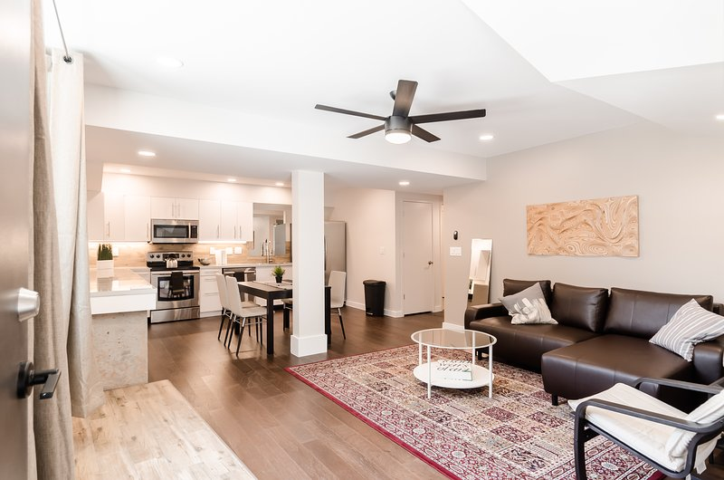 Modern Guest Apartment in Heart of very happening O4W., holiday rental in Atlanta