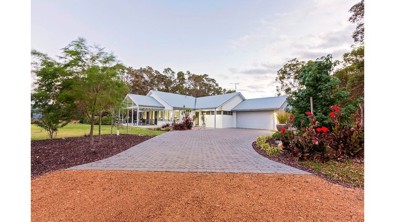 Lilywood of Mistover Place, holiday rental in Yallingup