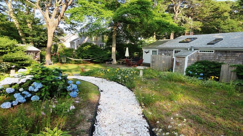 Jardines y patio privado