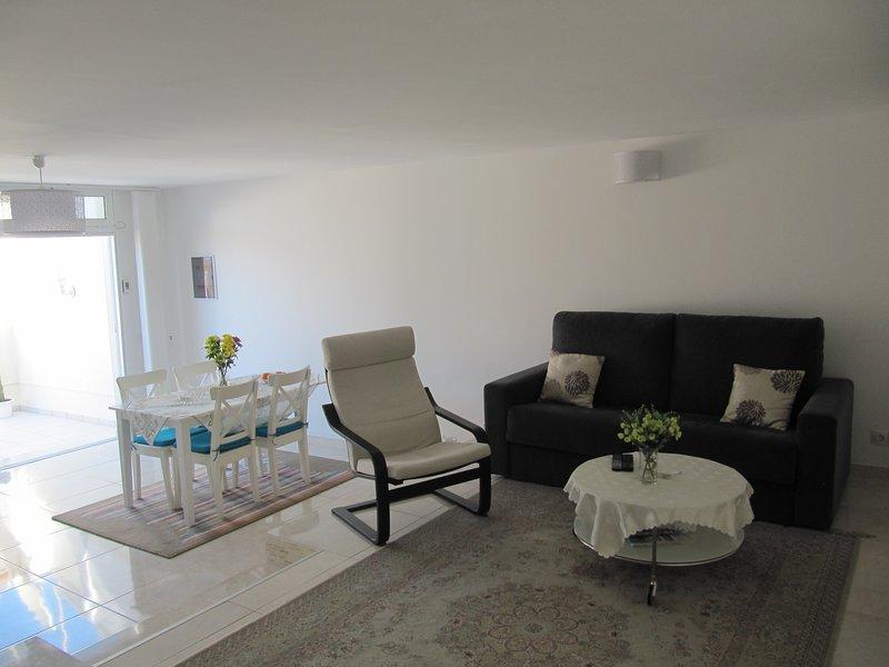 Apartamento moderno a 100 m de la Playa de Patalavaca, aluguéis de temporada em Patalavaca