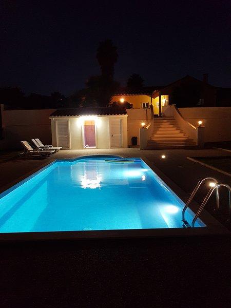 Schwimmbad Nachtsicht
