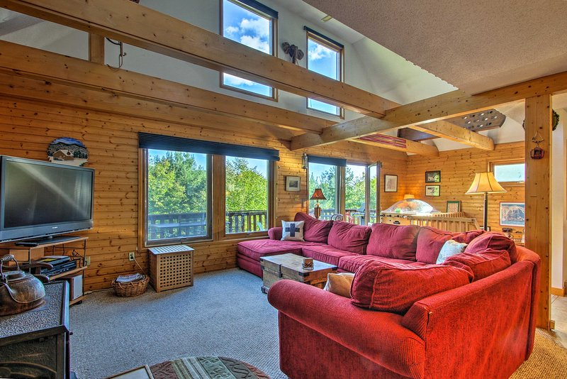 This cozy Intervale vacation rental house is the perfect White Mountain getaway!