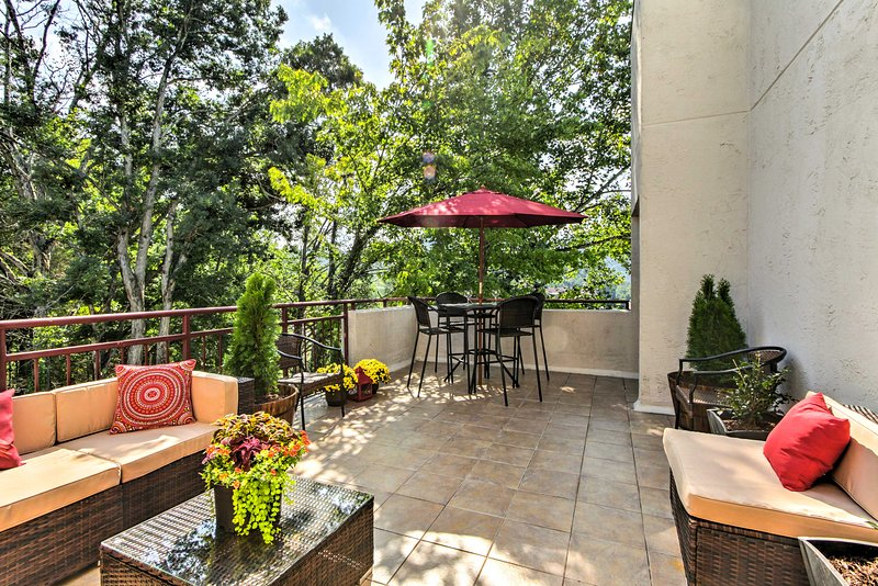 This condo boasts a beautifully decorated 250-foot terrace.