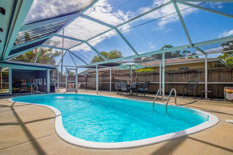 Home w/ Lanai & Pool - 7 Miles to Bradenton Beach!, vacation rental in Bradenton