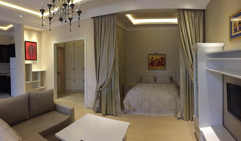 Luxury Apartment In Down Town Of Yerevan Cascade