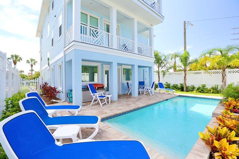 NIEUW Oceanview huis 500 meter naar het strand met zwembad en lift