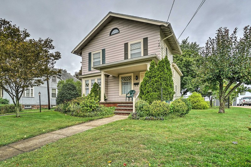 Fuja para o Lago Erie nesta casa de férias de 4 quartos e 1. 5 casas de banho!