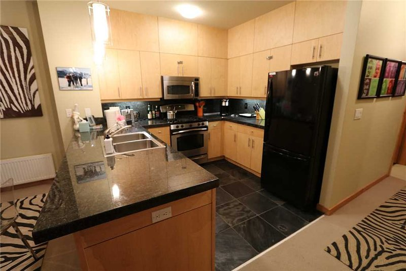solstice 17 2 bedroom condo has washer and dvd player updated