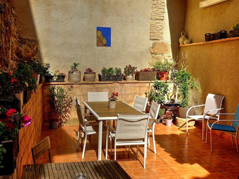 La Casa de Anais es una casa rural para 8 p. a 10 mn de Alquézar a la entrada de la Sierra de Guara