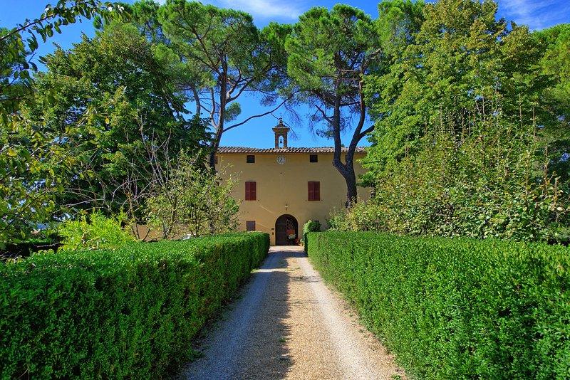Corsano Villa Sleeps 11 with Pool and WiFi - 5242087, Ferienwohnung in Bagnaia