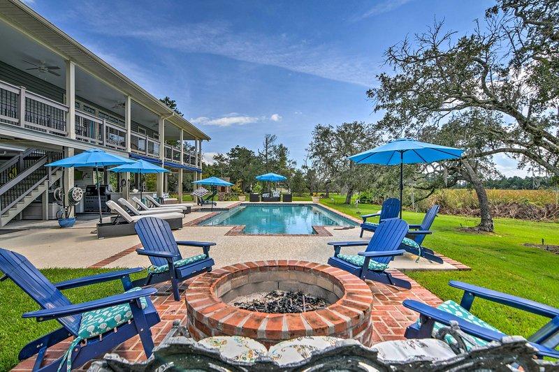 ¡Disfrute de una escapada a Mississippi en esta hermosa casa de vacaciones de 5BR y 4BA!