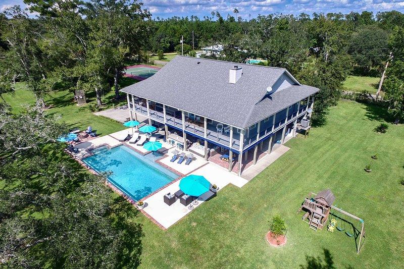 Family-Friendly Bay St. Louis Home w/ Pool & Dock!, casa vacanza a Pearlington