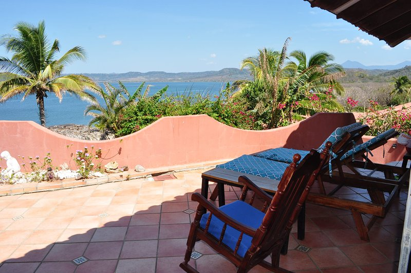 Playa Copal 47 Beachfront Kitesurf House, holiday rental in El Jobo
