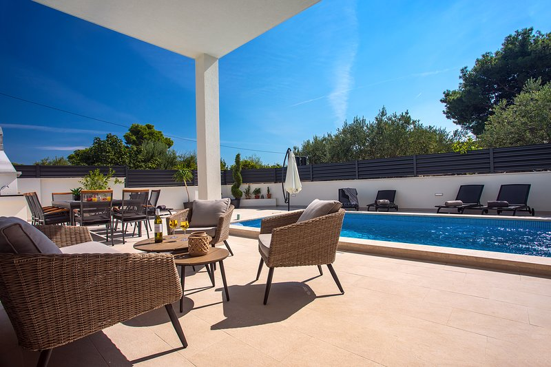 Villa Petra with heated private pool, 5 bedrooms with en-suite