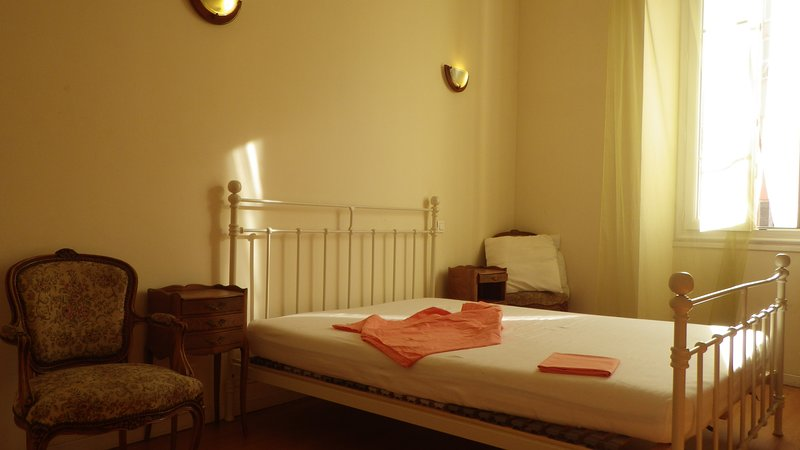 Apartment near ferries port and railway station, two sleeping rooms, vacation rental in Ajaccio