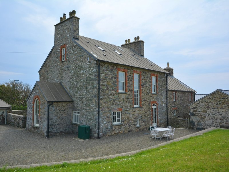 Stunning property for larger parties by the Pembrokeshire coast
