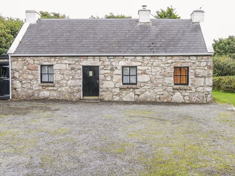 AN TEACH BAN, mezzanine, Wild Atlantic Way, near Carraroe, vacation rental in Spiddal