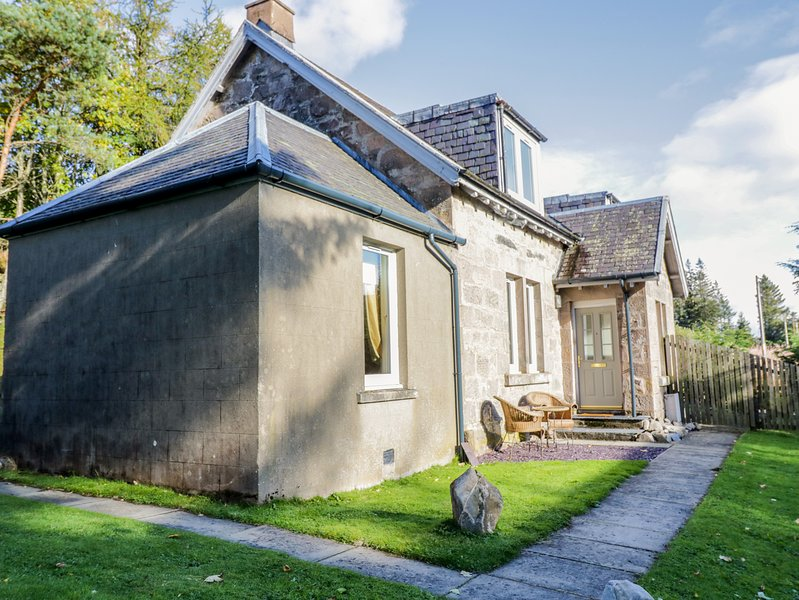 2 STATION COTTAGES, in the tiny hamlet of Dalnaspidal, near Dalwhinnie, vacation rental in Dalwhinnie