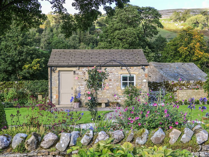 THE BOTHY, open-plan, private patio, in Arncliffe, casa vacanza a Kettlewell