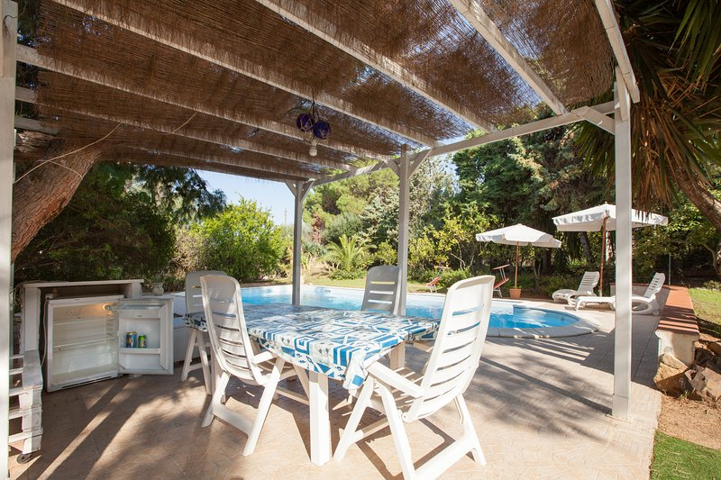 Villa Wanda with private pool Sardinia South East coast, holiday rental in Villaggio delle Mimose