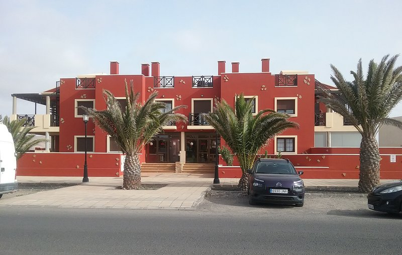 Cotillo Country, Casa Serena. Stunning mountain views. Private roof terrace., holiday rental in El Cotillo