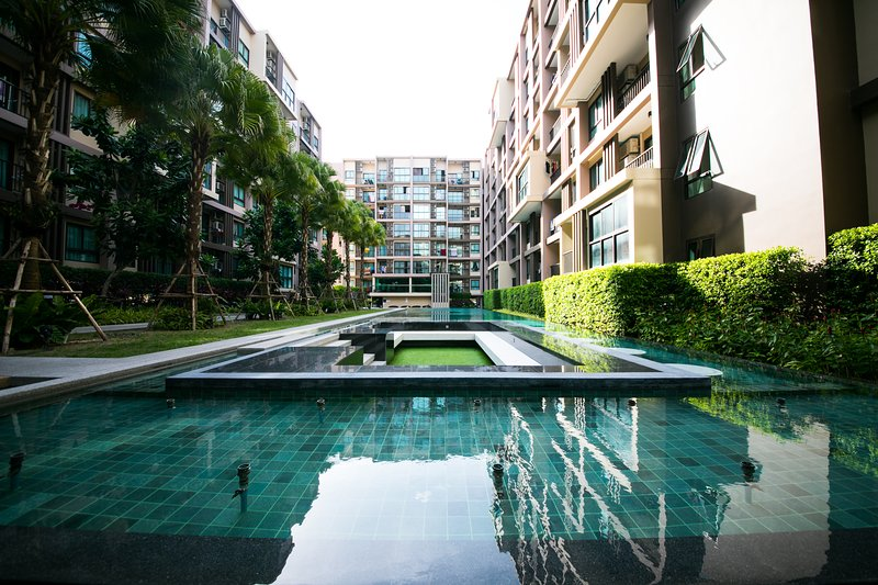 Luxury 2 BedRooms Easy To Beach & Phuket Town Free Wifi & WaterSupply & Elec, holiday rental in Ban Sam Kong