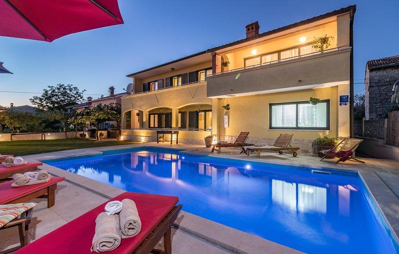 Holiday House 'Leona', location de vacances à Cabrunici